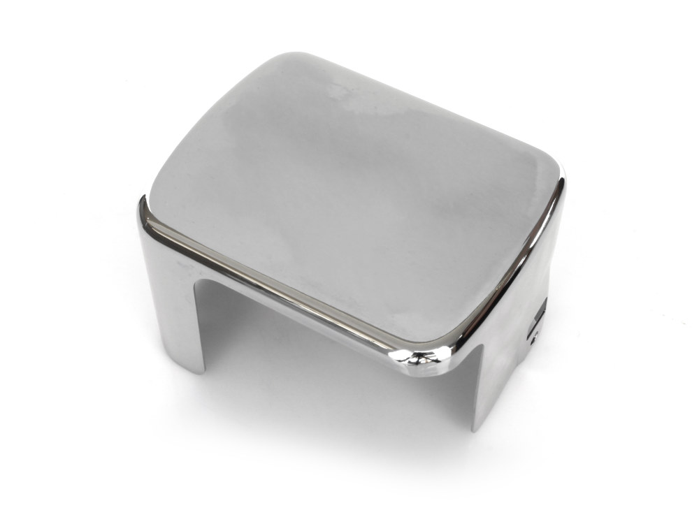 Coil Cover – Chrome. Fits Carbureted Softail Models 2000-2006.
