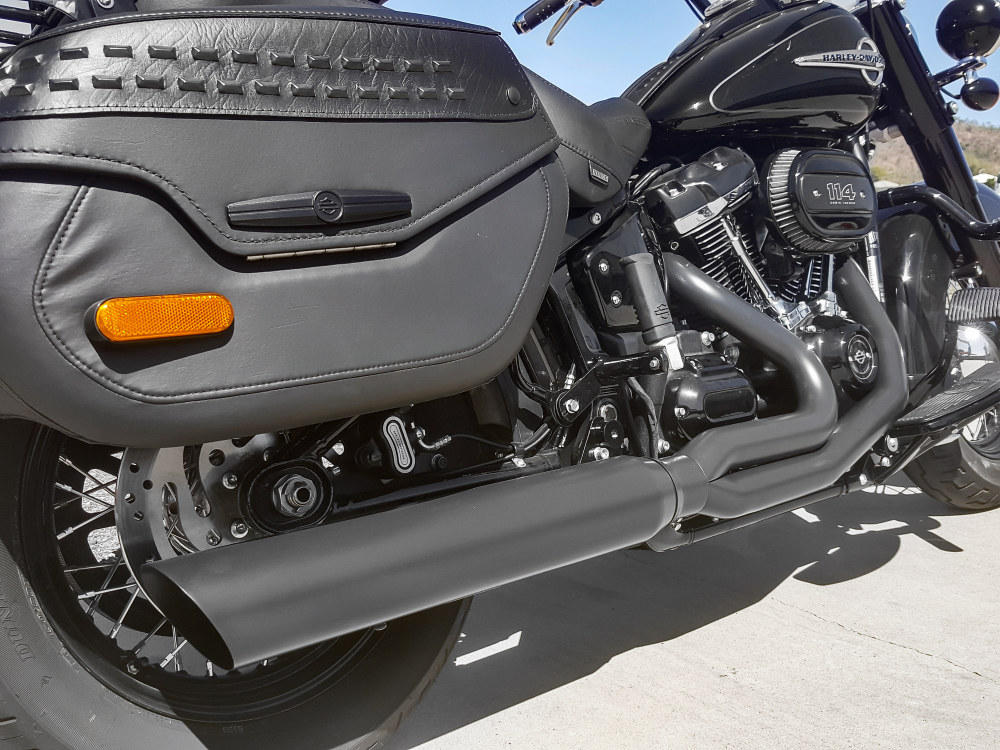 Fat Cat 2-into-1 Exhaust with Straight Muffler - Black. Fits Heritage Classic & Sports Glide 2018up.