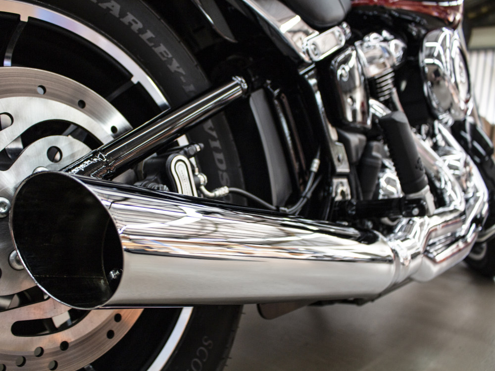 Low Cat 2-into-1 Exhaust - Chrome. Fits Softail 2018up.