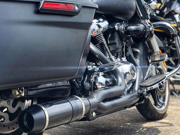 Bob Cat 2-into-1 Exhaust - Black with Black Satin Sleeve Muffler. Fits Touring 2017up.