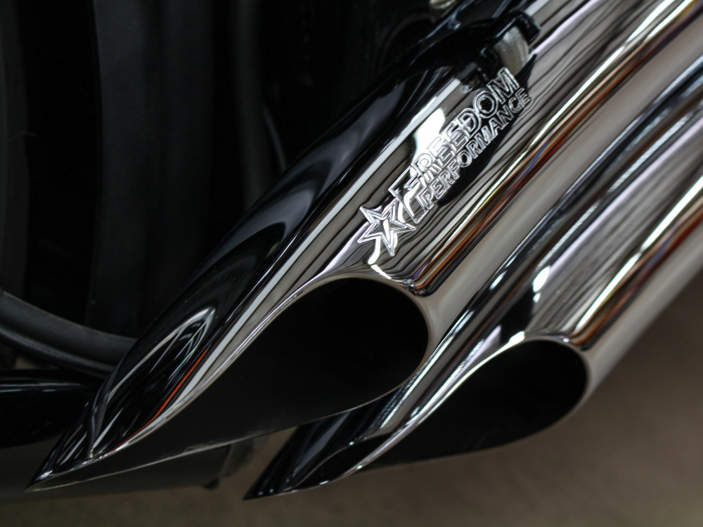 Sharp Curve Radius Exhaust with Chrome Finish. Fits Softail Breakout 2013-2017 & Rocker 2008-2011 Models.