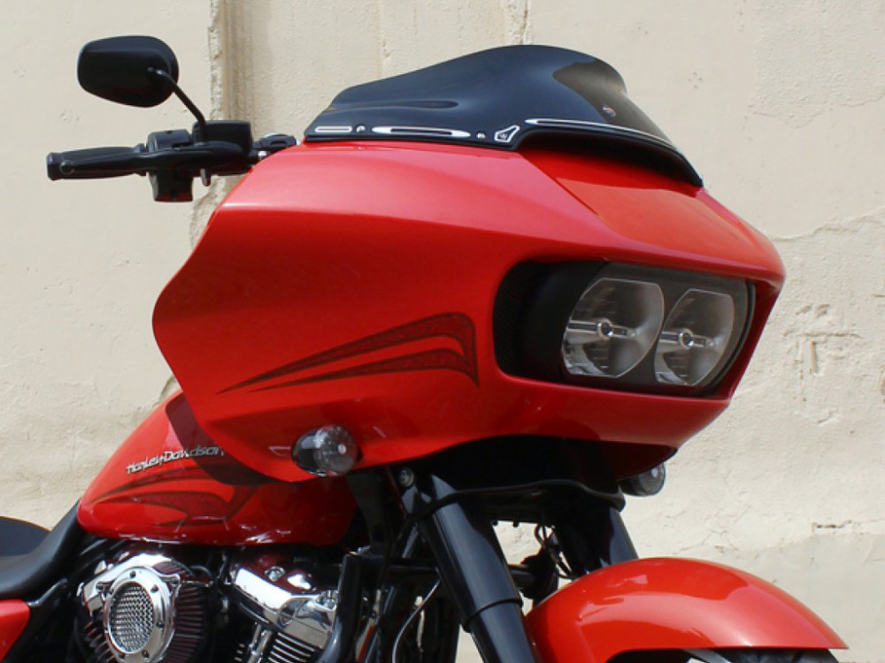 6in. Sports Flare Windshield – Black. Fits Road Glide 2015up.