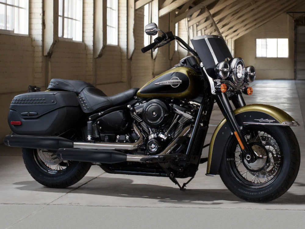 3-1/2in. Slip-On Mufflers - Black with Black End Caps. Fits Deluxe & Heritage Classic 2018up.