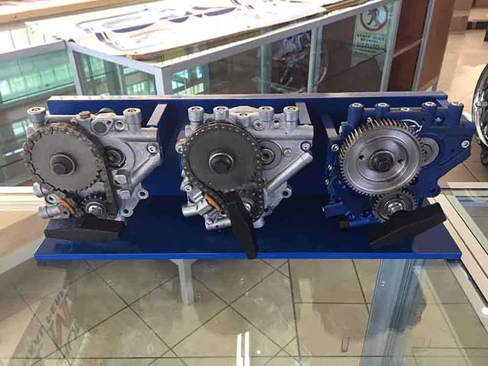 S&S Cam Display; Gear Drive & Chain Drive Cams with S&S Oil Pump & Cam Plate