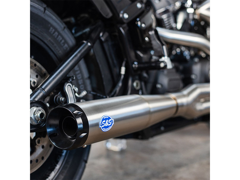 2-into-1 SuperStreet Exhaust - Stainless Steel with Black End Cap. Fits Softail 2018up Non-240 Rear Tyre Models.