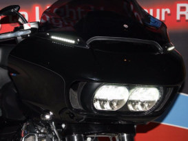 LED Dynamic Windshield Trim - Smoke Lens, Black Housing. With Amber Turn, White Run. Fits Road Glide 2015up.